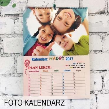 Foto Kalendarz ze zdjęciami - szkolny, z planem lekcji.